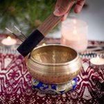 Bol Tibétain de Méditation Zenamaste® - Fait à la main dans la cité de Bhaktapur au Népal | 450gr - ⌀11,5cm | + Coffret en papier népalais avec Coussin | + Bol | + Maillet en bois de la marque Zenamaste image 5 produit
