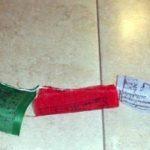 Cloches tibétaines en relief Mantra de Bouddha de Compassion 'OM MANI PaDME HUM'; Hail to the Jewel au cœur du Lotus, diamètre de 65 cm Livré dans une pochette de rangement en Satin Rouge Drawnstring Spiritual Gifts. Livraison sous 2 jours ouvrabl image 1 produit